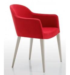Butaca moderna de madera y tela roja de Modesto Navarro - DIAVOLO