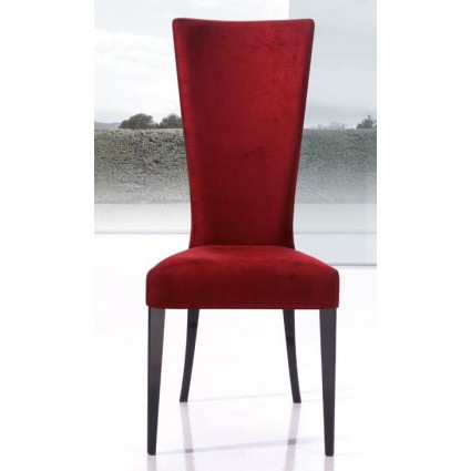 Silla de estilo moderna artesanal roja de Modesto Navarro - LUCI